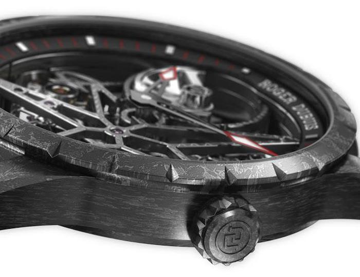 Roger Dubuis Excalibur Carbon, скелетон из карбона