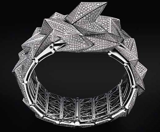 Audemars Piguet Diamond Fury покрыты 4841 бриллиантом
