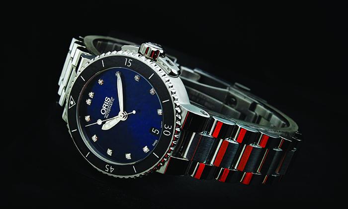 Часы Oris Aquis Date Diamonds