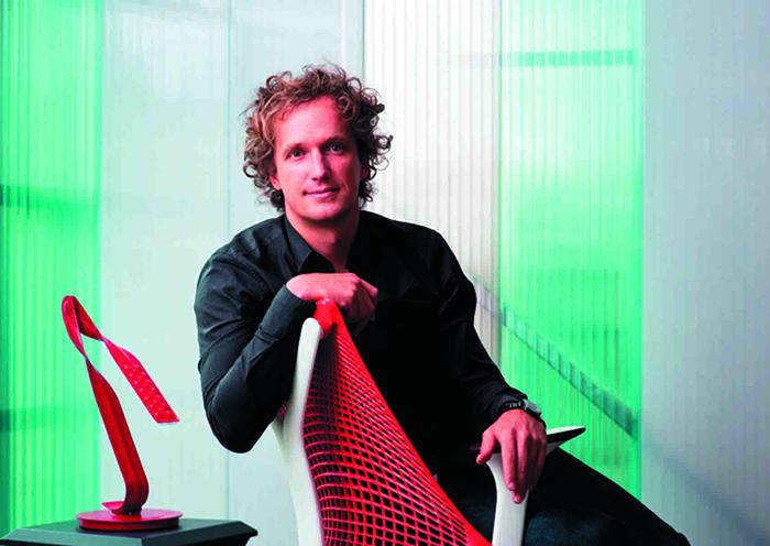Швейцарский дизайнер Ив Беар, глава студии FuseProject