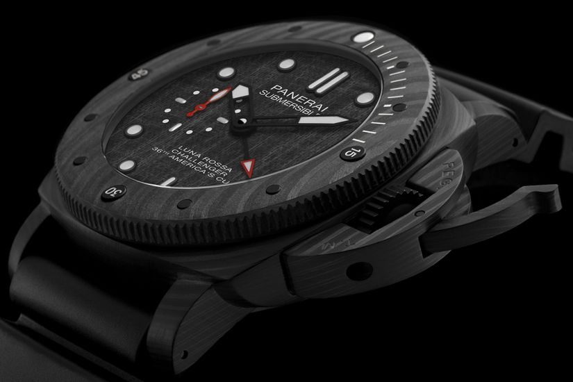 Часы Panerai Submersible Luna Rossa