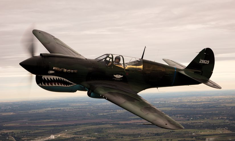 Истребитель Curtiss P-40 Warhawk