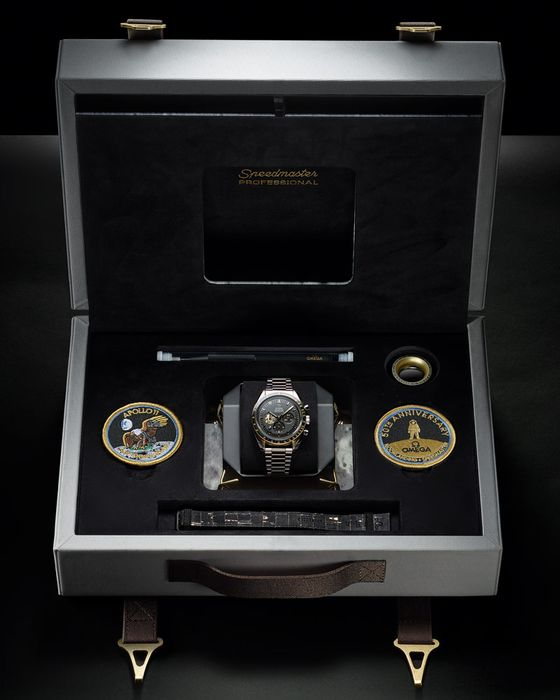 Часы Omega Speedmaster Apollo 11 50th Anniversary Limited Edition