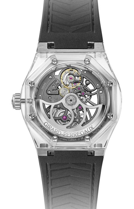 Часы Girard-Perregaux_Laureato_Absolute_Light