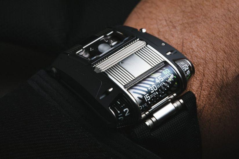 Часы Urwerk UR-111C TT